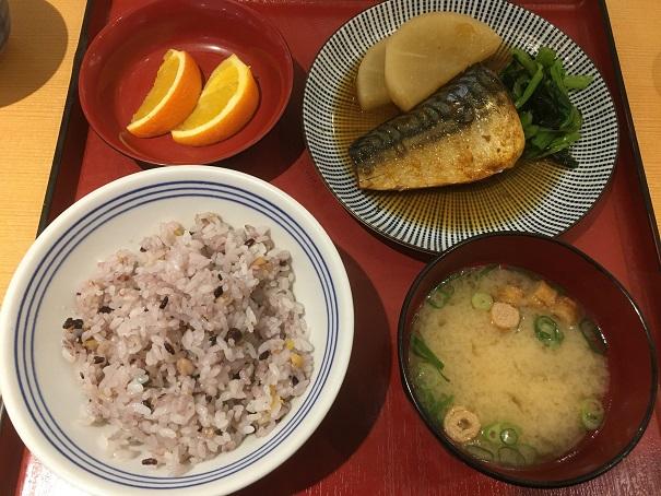 さち福や-名物 お母さんの煮鯖とやわらか大根煮の定食
