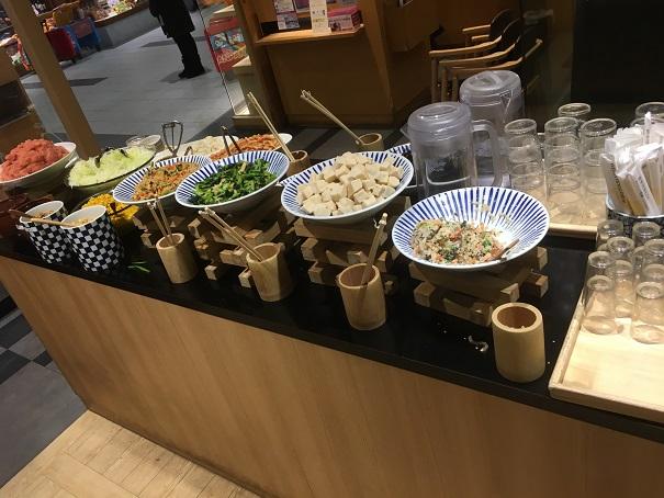 さち福や-惣菜サラダ明太子バイキングスペース